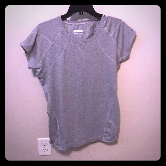 ad1f0744181 Columbia Tops | Size Large Gray Work Out Tee | Poshmark